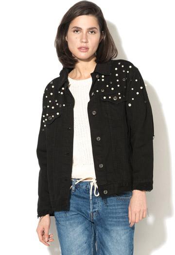 Jacheta din denim cu rupturi decorative si aplicatii cu perle sintetice